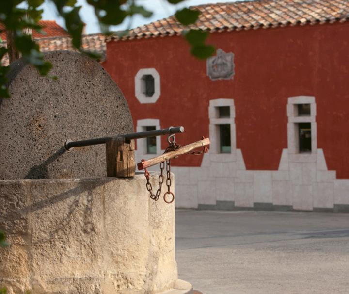Esterno cantina in Sardegna autoctoni sardi