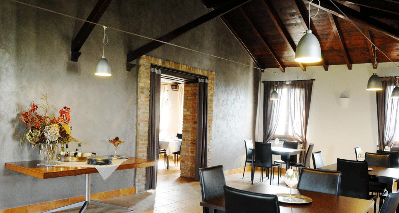 La-Locanda-di-Calvignano-in-Oltrepo'-pavese-dettaglio-di-interno-sala